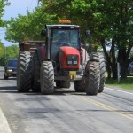 Tractor-OnTheRoad02